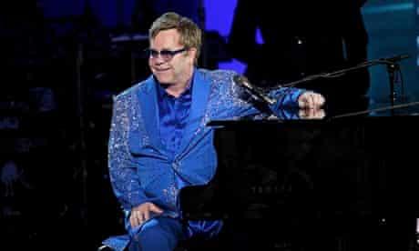 Elton John will perform in Russia