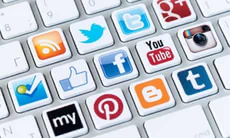 A social media icons on keyboard