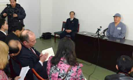 Kenneth Bae at the press conference in Pyongyang.