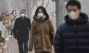 Beijing fog Chinese people wear masks
