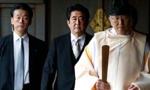 Shinzo Abe visits Yasukuni shrine
