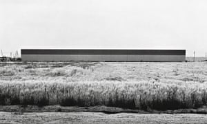 East Wall, Western Carpet Mills, 1231 Warner, Tustin (1974). Lewis Baltz's minimalist approach drew on contemporary art practice