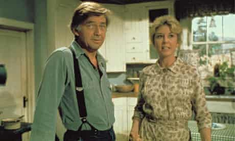 Ralph Waite and Michael Learned as John and Olivia Walton in The Waltons, which ran on US television