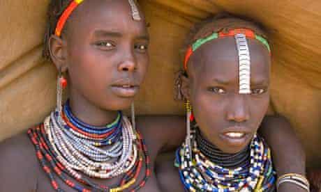 MDG : Girls of the Galeb tribe, Lower Omo Valley, Ethiopia