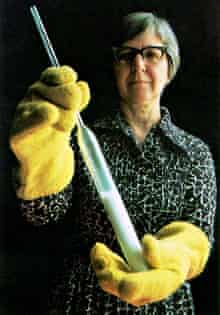 Stephanie Kwolek holds a tube with crystal polymer at the DuPont labs