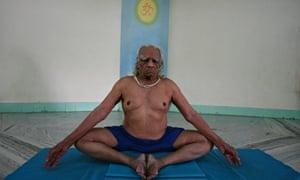 BKS Iyengar, yoga teacher, who has died aged 95