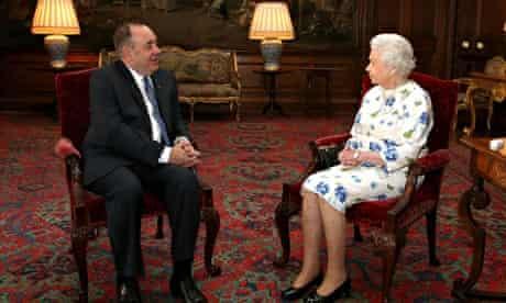 Queen Elizabeth II with Scotland's first minister Alex Salmond