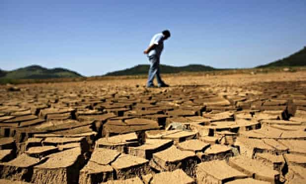 brazil drought cracked ground