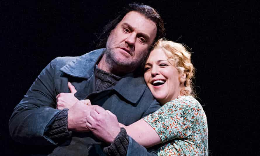 Bryn Terfel (The Dutchman) and Adrianne Pieczonka (Senta)