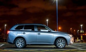 Mitsubishi Outlander PHEW 2 0 hybrid GX4hs automatic – car review