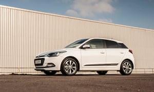 On the road: Hyundai i20 Premium 1 2 (84PS) Manual – car