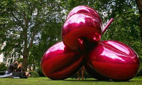 Balloon Flower (Magenta) by Jeff Koons