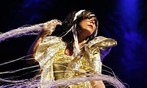 Björk in performance 2007
