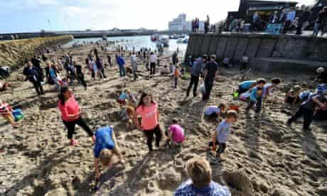 Folkestone Triennial 2014 gold hunt