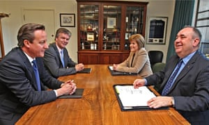 Salmond with Cameron for referendum signing 2012
