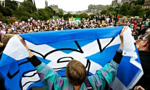 Edinburgh referendum rally with 'yes' flag