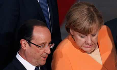 French President Francois Hollande and German Chancellor Angela Merkel at the NATO summit