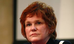 Sharon Bowles said Taxpayers can no longer accept untransparent accounting practices by global banks
