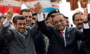 Iran's President Mahmoud Ahmadinejad, left, with Pakistan's Asif Ali Zardari, at the pipeline launch