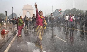 Police fire water cannons at protesters  demonstrating at Delhi's India Gate