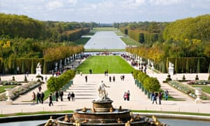 Versailles fountain and gardens