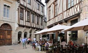 Street cafe in Dijon