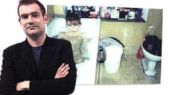 Fred Mann in front of Annelies Strba's photograph