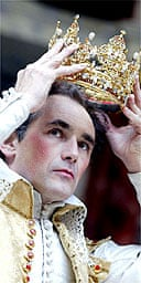 Mark Rylance as Richard II at the Globe