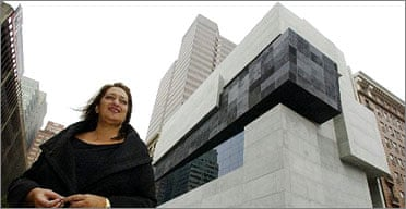 Zaha Hadid stands in front of the Cincinnati Center for Contemporary Art