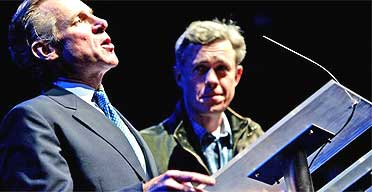 Stuff Happens, National theatre Sept 04