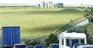 Stonehenge in traffic September 2004