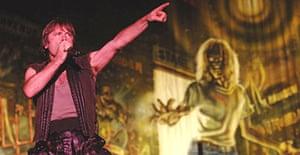 Iron Maiden's Bruce Dickinson, Reading festival 2005
