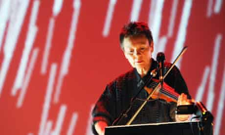 Laurie Anderson, live in London in 2010
