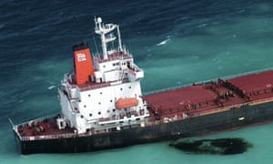 Bulk Coal carrier leaking oil Barrier Reef