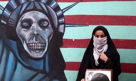 protester US embassy in Tehran