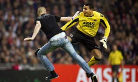 AZ keeper kicking Ajax fan