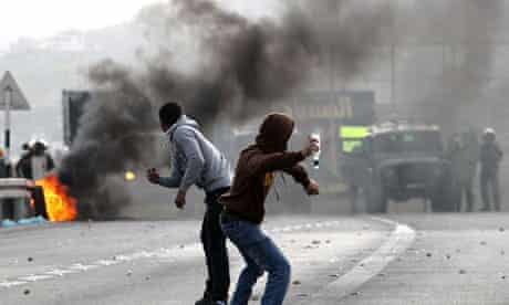 Gaza: Israel and Palestinian soldiers clash