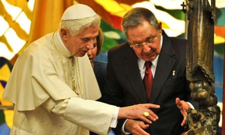 Pope Benedict XVI and Cuban President Raul Castro at the Revolution Palace in Havana