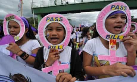 Pro-contraception protesters in the Filipino capital Manila