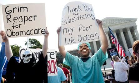 Anti-Obama protesters outside the supreme court