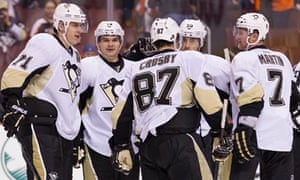 Pittsburgh Penguins celebrate against the Flyers