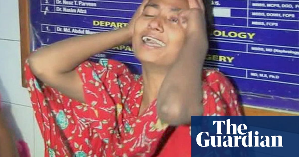 Six die in Bangladesh factory fire - video