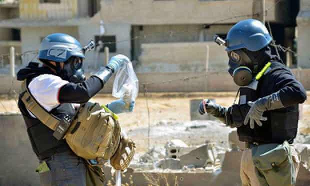 Chemical weapons inspectors examine evidence in Syria