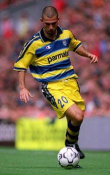 Marco Di Vaio at Parma in 2000