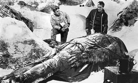 Robert Brown and Forrest Tucker in The Abominable Snowman