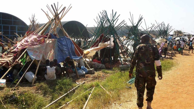 South Sudan factional fighting leaves hundreds feared dead