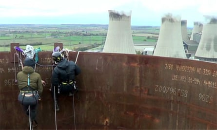 Activists occupy 300ft chimneys at the West Burton power station - video