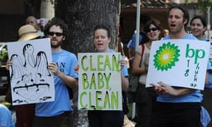 Salesforce: Protesters attend a rally organized by the Sierra Club