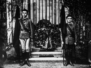 Soldiers on guard at the grave of German industrialist and politician Doctor Rathenau