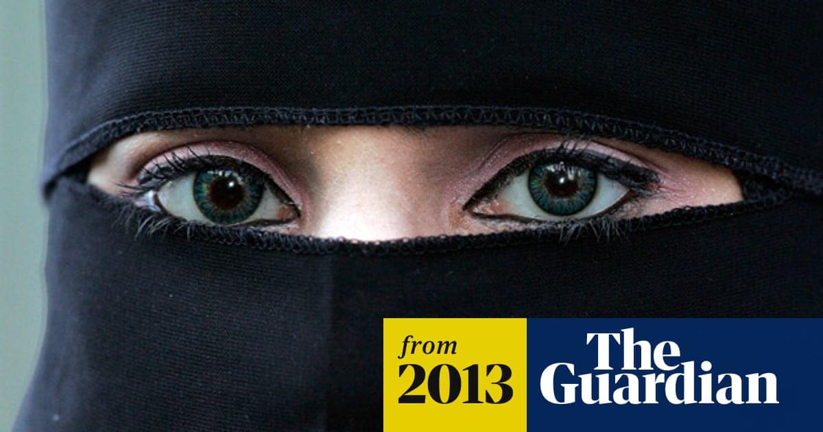 Muslim veil debate legitimate, says Lib Dem minister - video